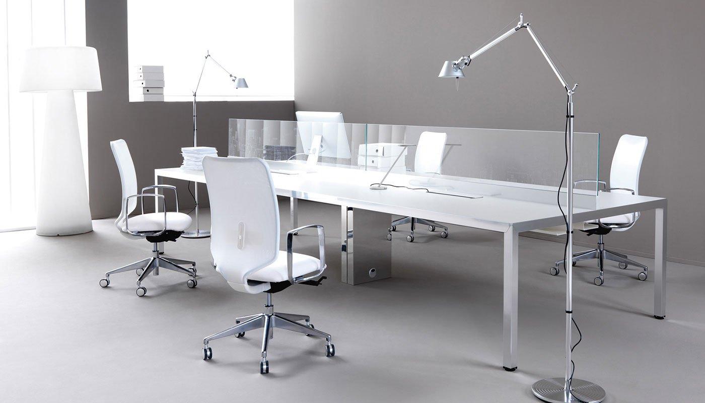 Mobili operativi per ufficio i bench arredo ufficio for Arredo ufficio
