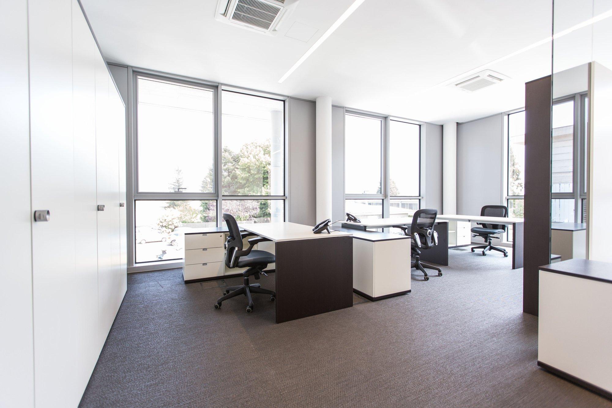 Mobili per ufficio operativo pratiko arredamento per ufficio for Arredo ufficio operativo