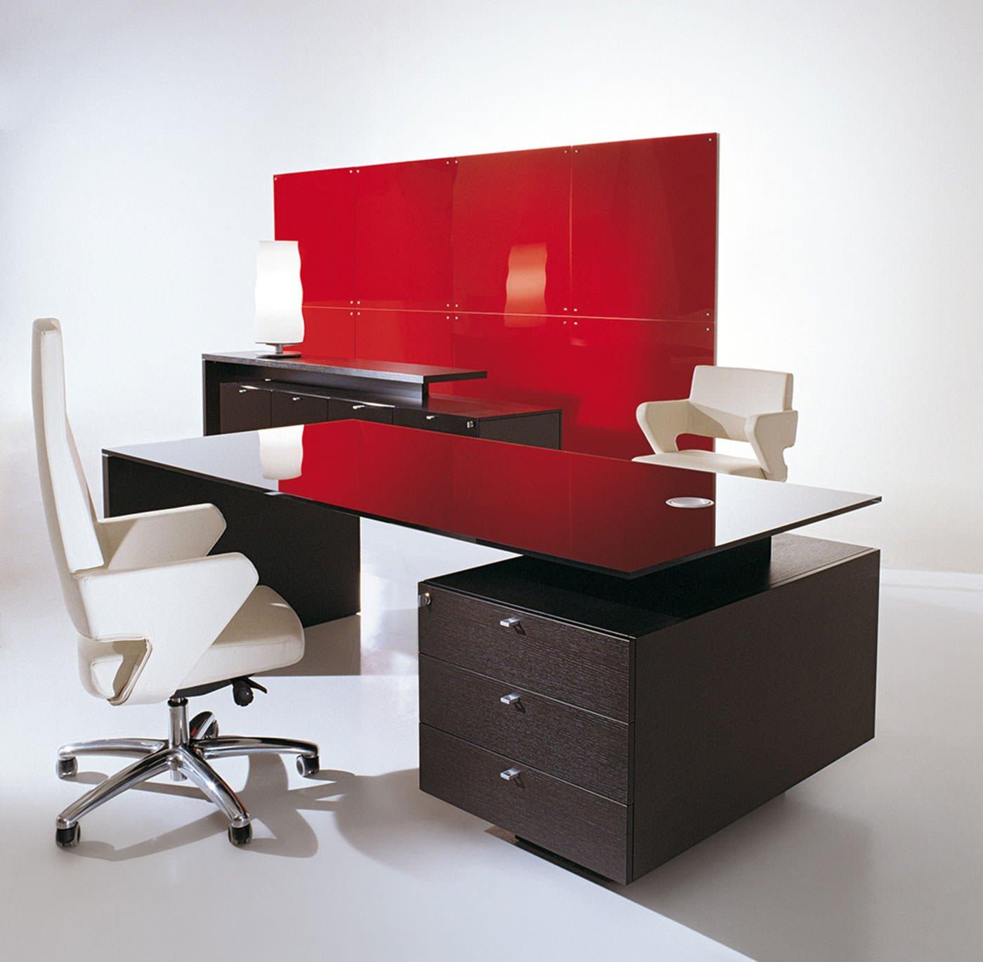 Logo mobili direzionali per ufficio arredamento per ufficio for Mobili ufficio wenge