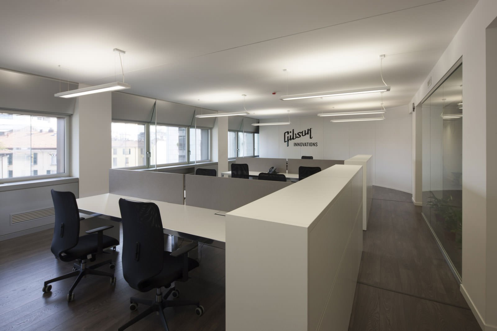 Gibson italia office furniture ivm office for Erreci arredamenti