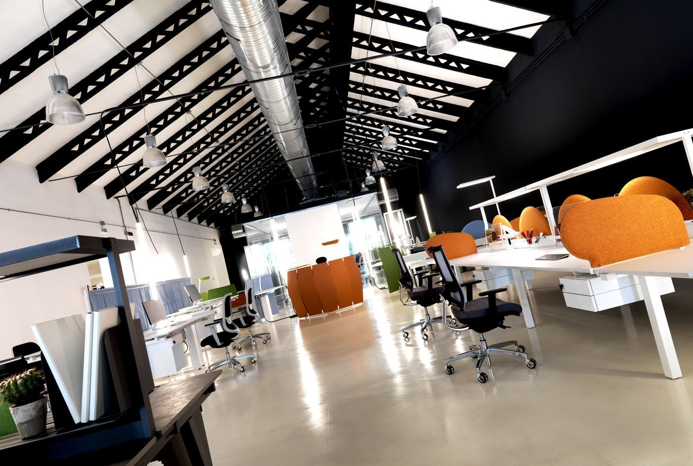 Arredamento Ufficio Friuli Venezia Giulia : Showroom mobili per ufficio design made in italy