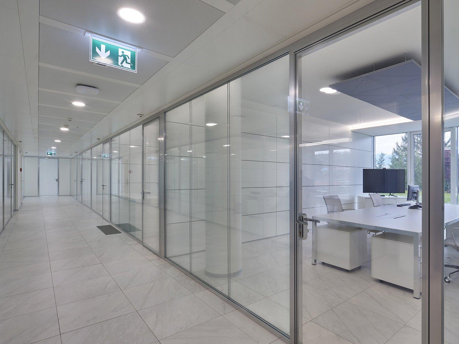 parete in vetro per ufficio